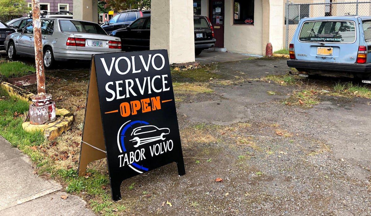 Tabor Volvo Service on Glisan